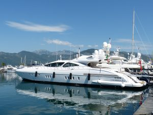 Playa Yachting Yachts and Boats
