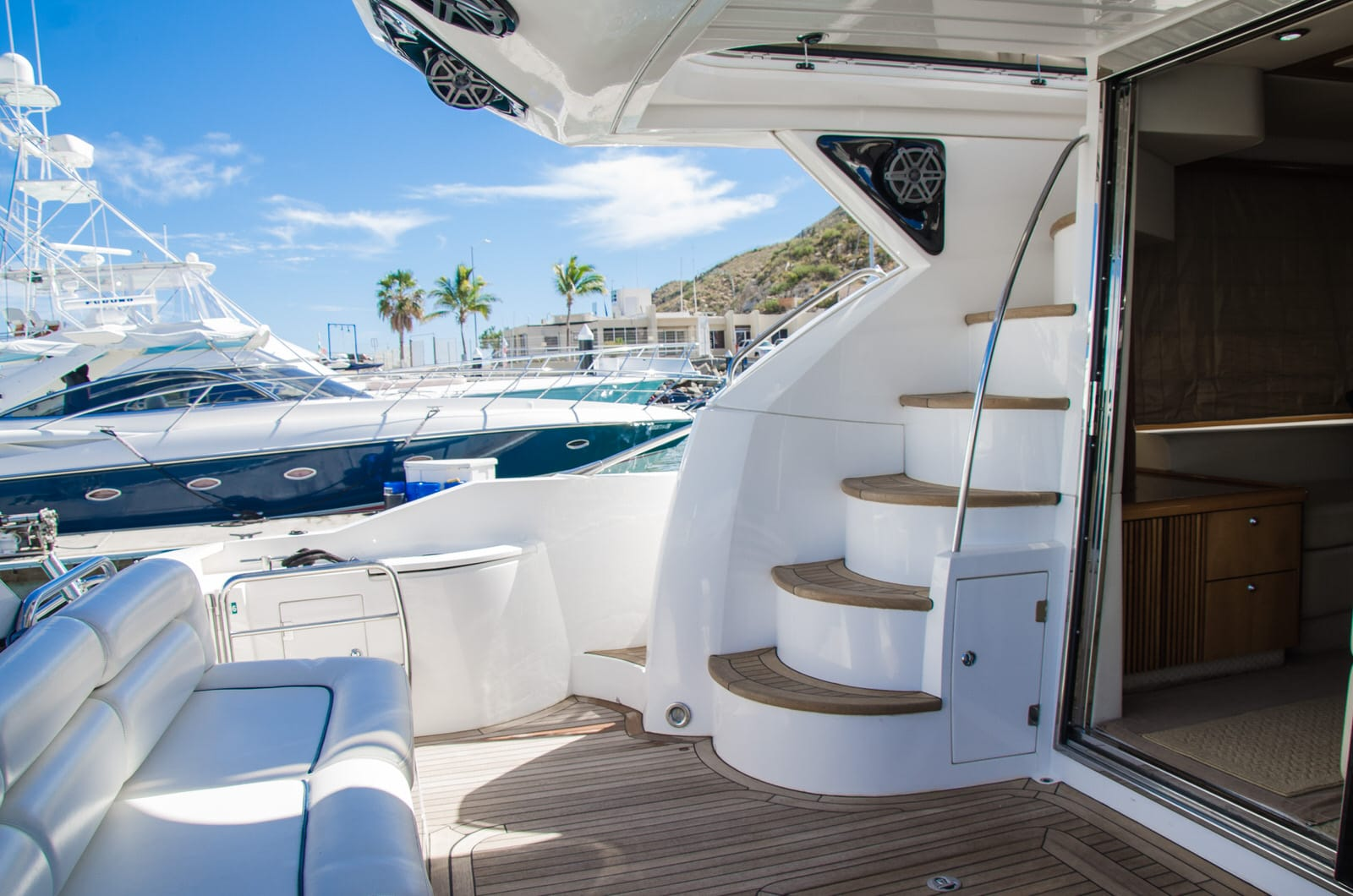 boat charter rental