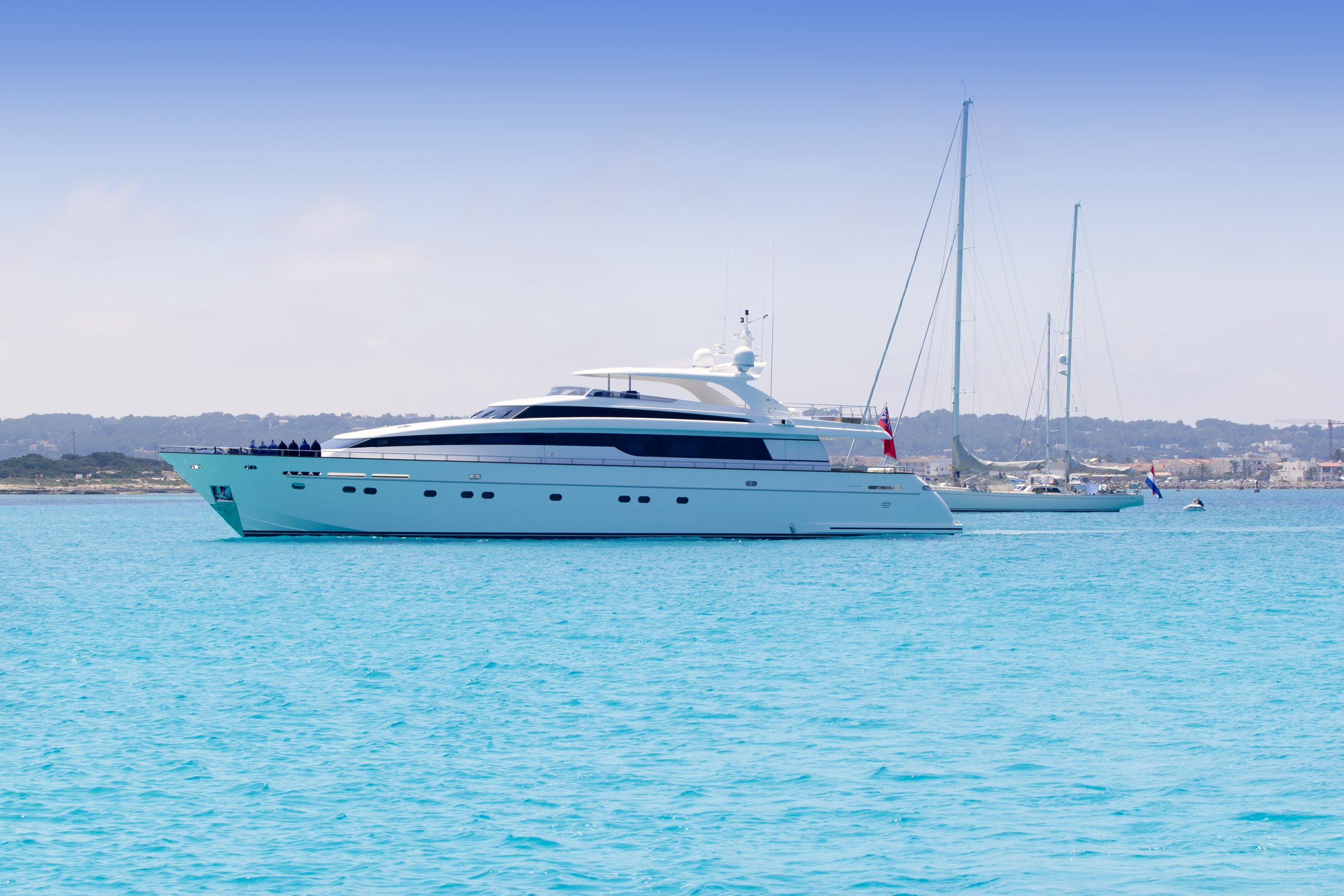 Tips When Renting a Yacht in Playa del Carmen