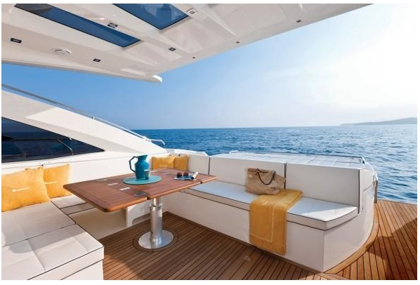 luxury yacht cancun