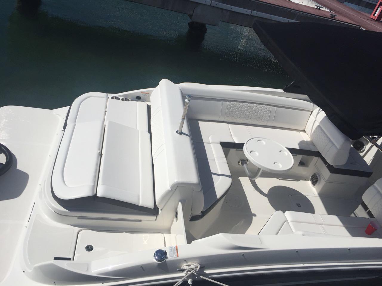 28 ft sea ray boat