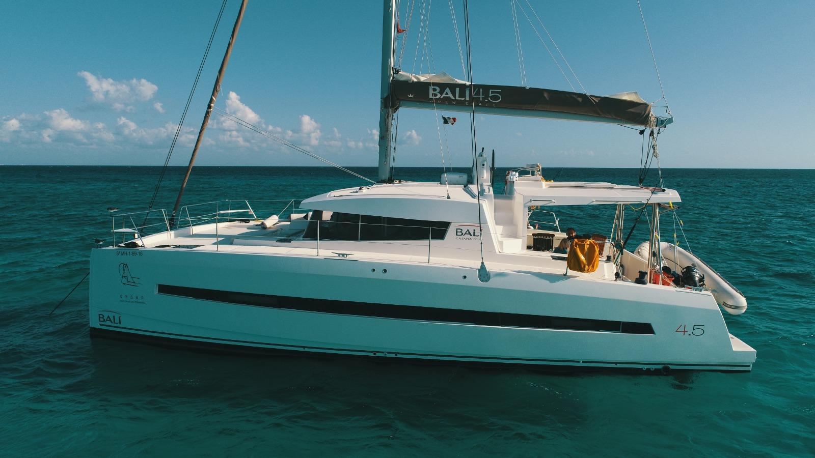 catamaran charter playa del carmen