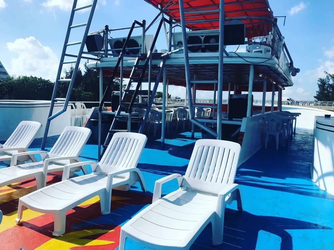 party boat riviera maya