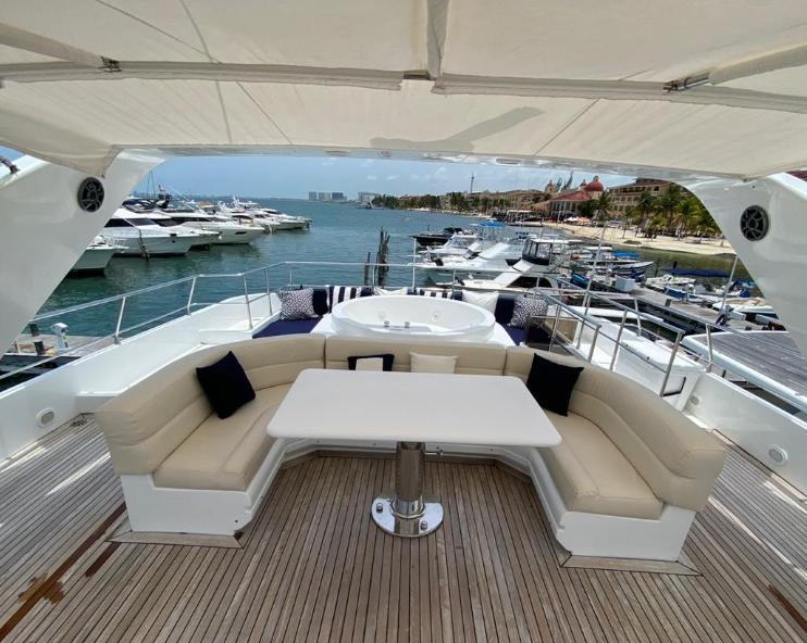 mega yacht riviera maya