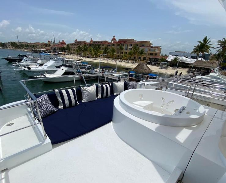 super yacht riviera maya