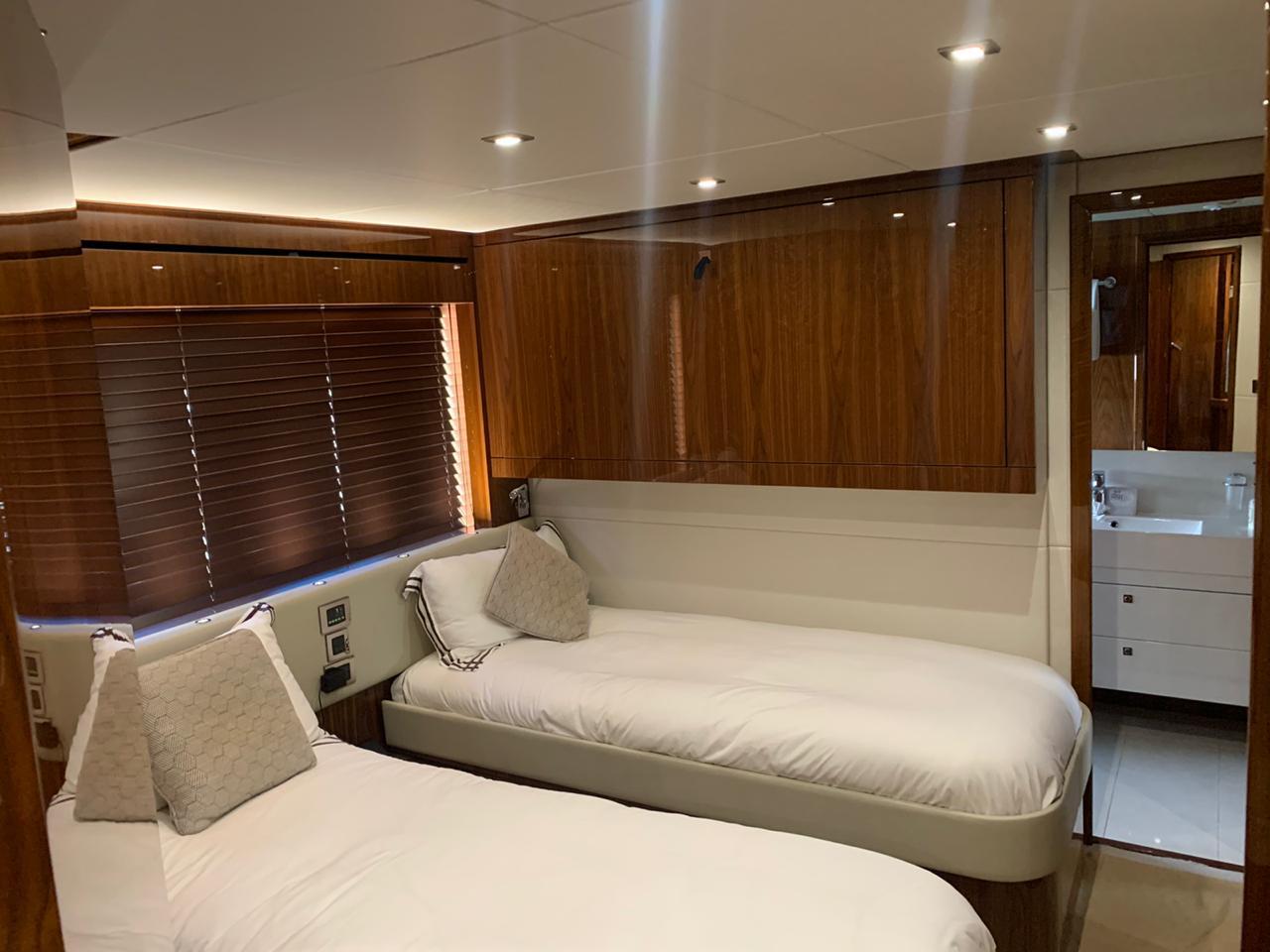 luxury yacht cancun