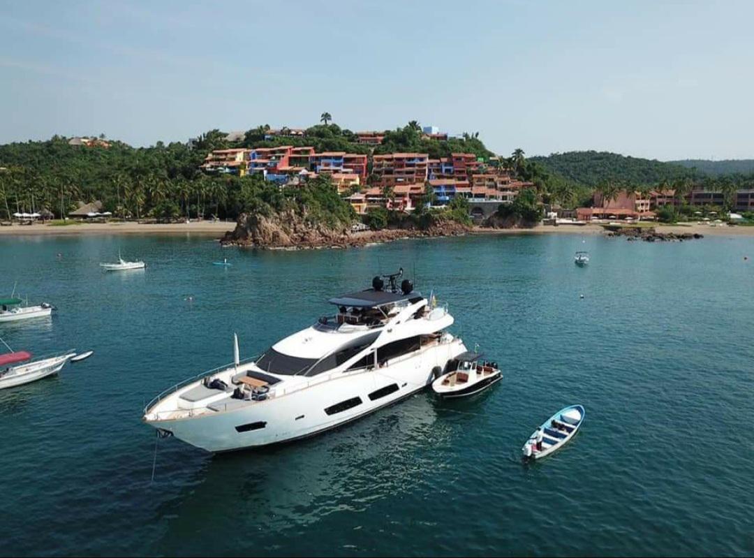 85 foot luxury motor yacht cancun
