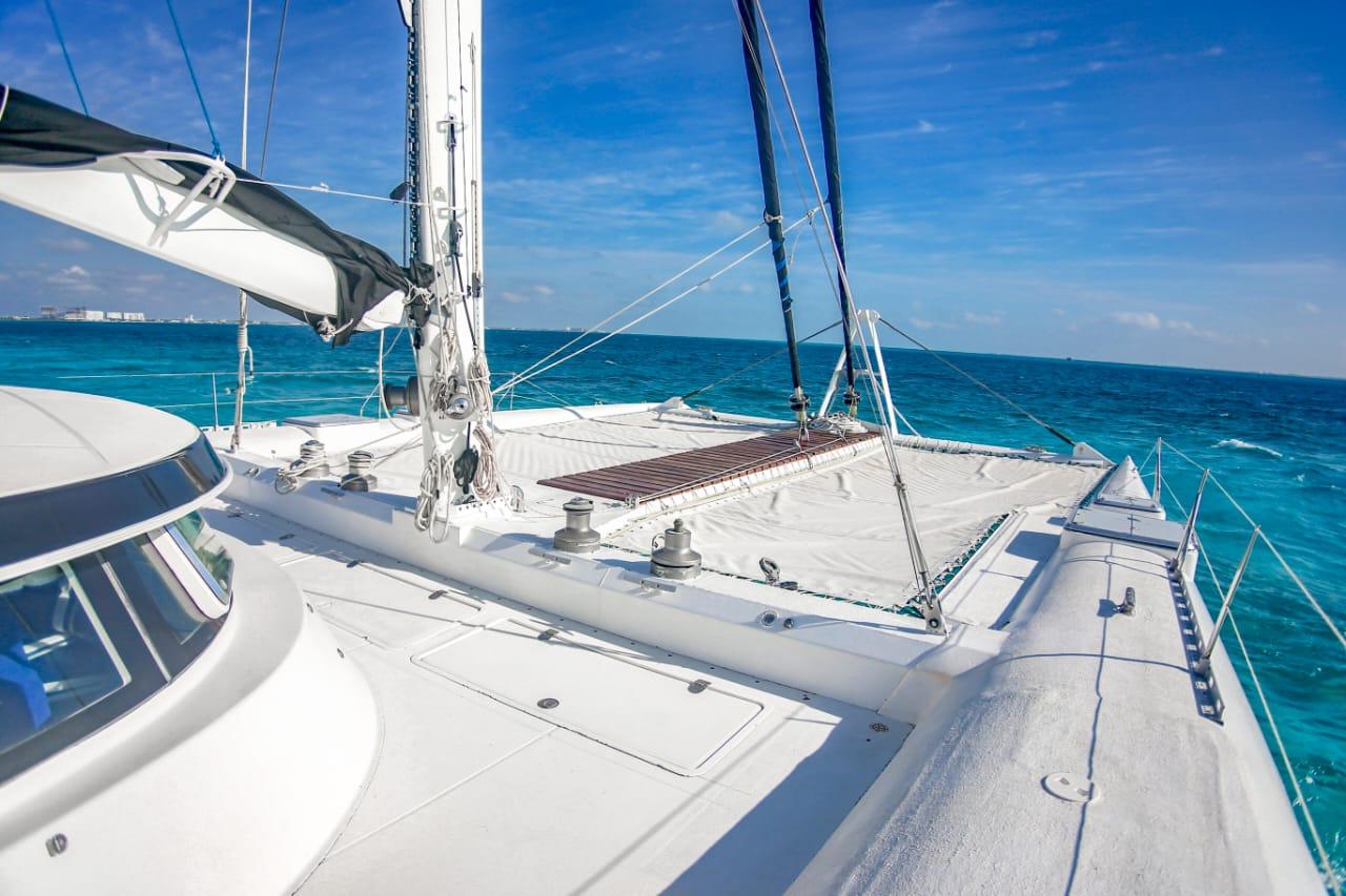 large catamaran cancun