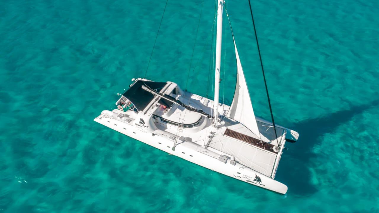 super catamaran cancun